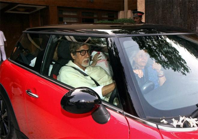 Abhishek Bachchan car to Aaradhya