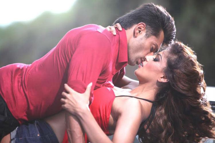 Karan Singh Grover and Bipasha Basu, Condom ad