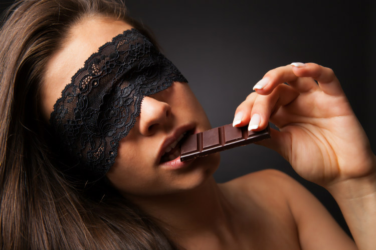 Chocolates or sex (Photo: dreamstime)