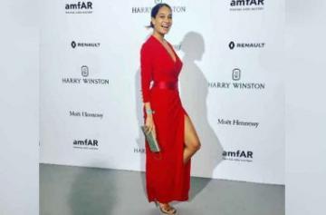 Lisa Haydon Paris Fashion Week Images
