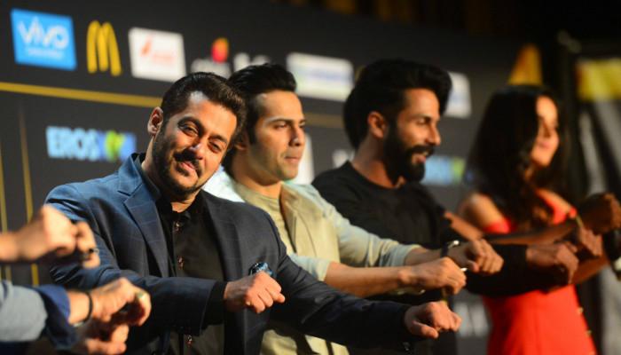 Salman Khan, Katrina Kaif, Varun Dhawan, Shahid Kapoor at IIFA 2017, IIFA 2017 live updates (Courtesy: Colors Website), inuth.com
