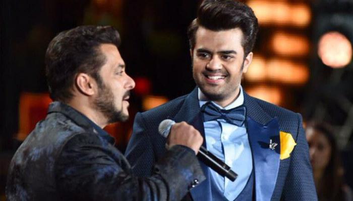 Salman Khan singing at IIFA 2017