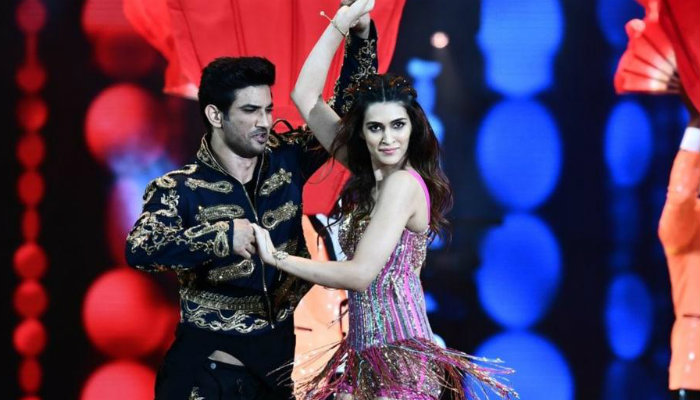 Sushant Singh Rajput and Kriti Sanon at IIFA 2017, inuth.com