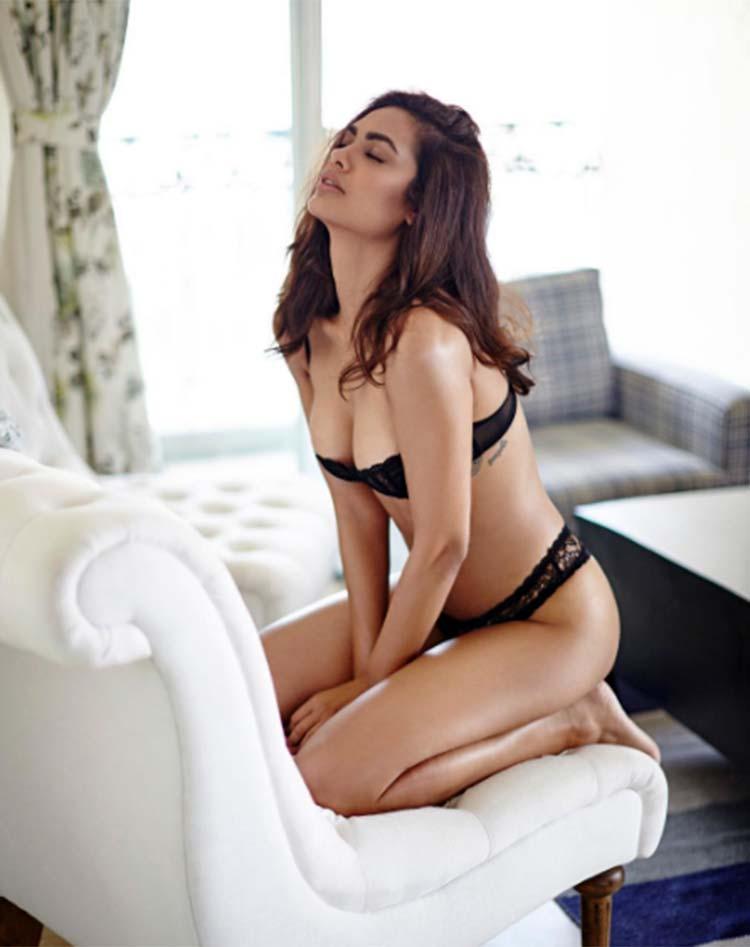 Esha Gupta looks burning hot in this lingerie photoshoot