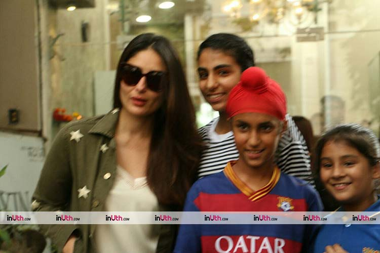 Kareena Kapoor meets her fans before prepping up for Veere Di Wedding