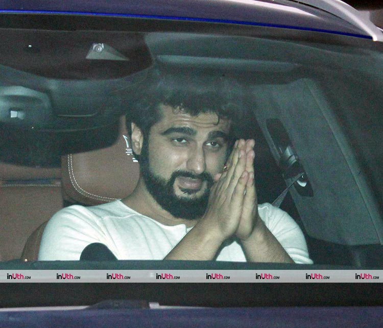 Arjun Kapoor pulls off a politician act in front of the cameras