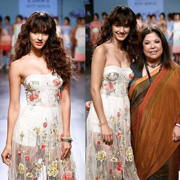 Disha Patani with Ritu Kumar at Lakme Fashion Week 2017