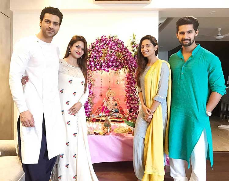Divyanka Tripathi, Vivek Dahiya at Ravi Dubey and Sargun Mehta's house