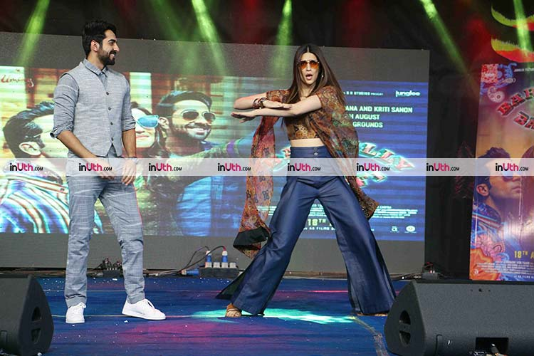 Kriti Sanon performing during the Bareilly Ki Barfi promotions at NM college