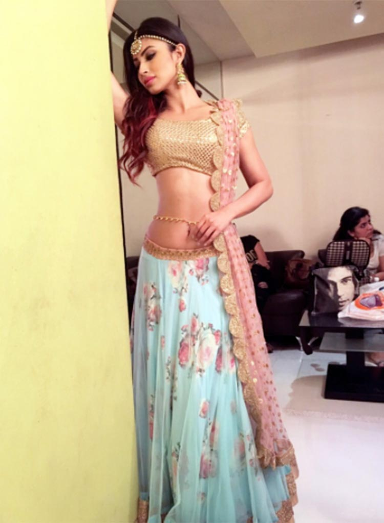 Mouni Roy looks ethereal in this Instagram post from a Diwali special show