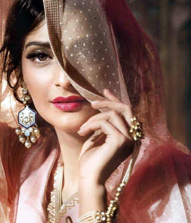 Sonam Kapoor in the Madhubala avatar for her latest photoshoot