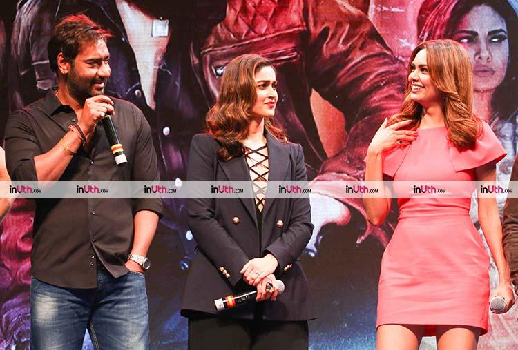 Ajay Devgn makes Esha Gupta laugh at Baadshaho trailer launch