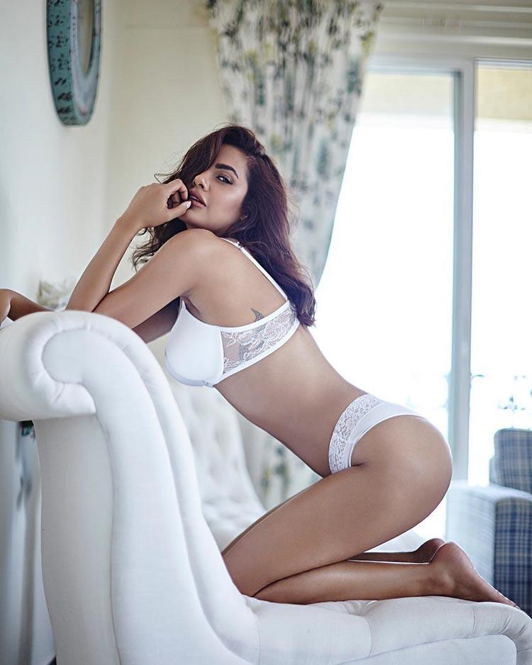 Esha Gupta looks super sexy in this bold photoshoot
