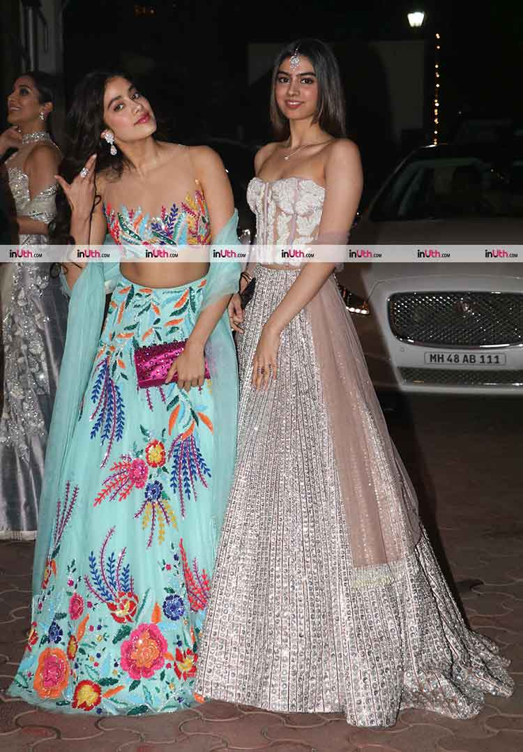 Jhanvi and Khushi Kapoor once again nailing the ethnic look