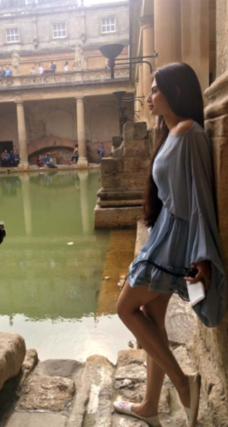 Mouni Roy turns a poser in Bath