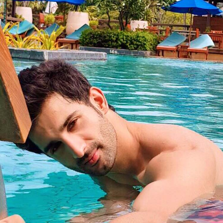 Sidhant Gupta looks super sexy in this photograph