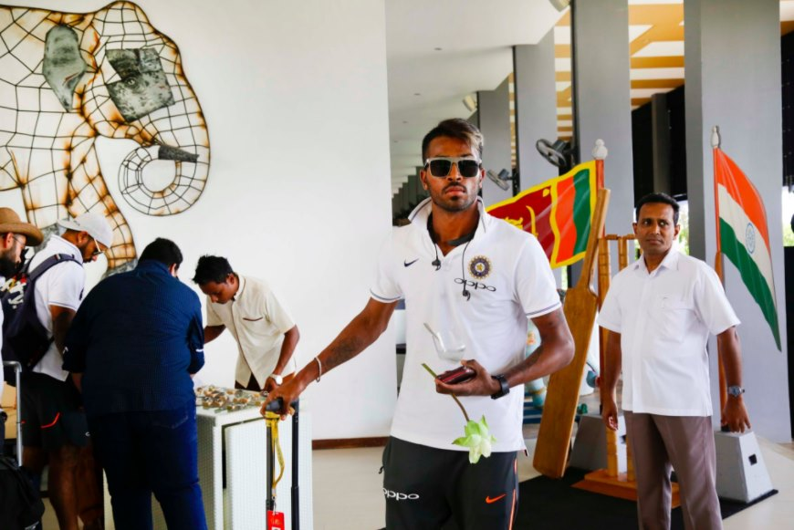 Pandya arrives in full swag