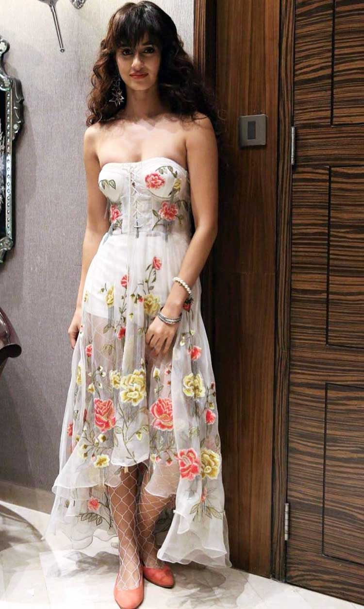 Disha Patani all geared up for Lakme Fashion Week 2017