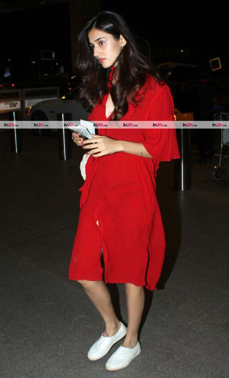 Disha Patani snapped at the Mumbai airport on Wednesday