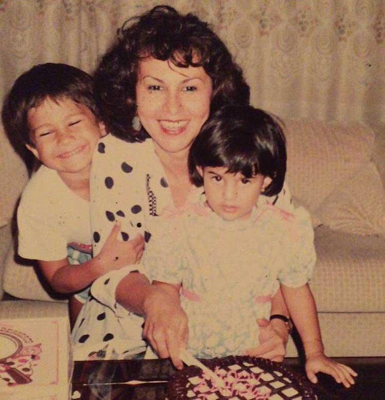 Jacqueline Fernandez cutting her birthday cake