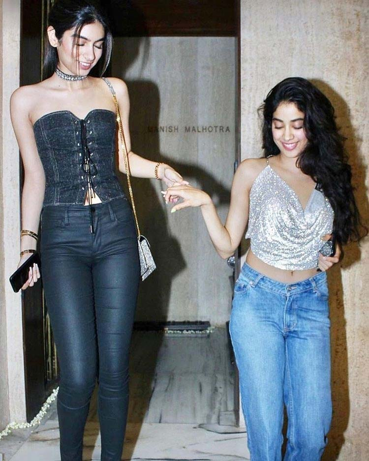 Jhanvi and Khushi Kapoor at mother Sridevi's birthday