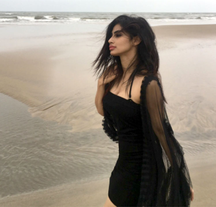 Mouni Roy's stunning Instagram post will leave you breathless