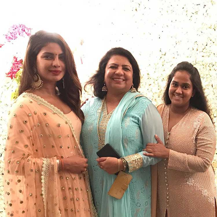 Arpita Khan with Priyanka and Madhu Chopra during Ganpati celebrations
