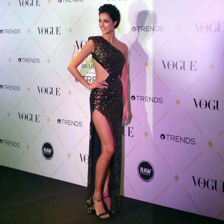 Disha Patani slaying at the Vogue Beauty Awards 2017