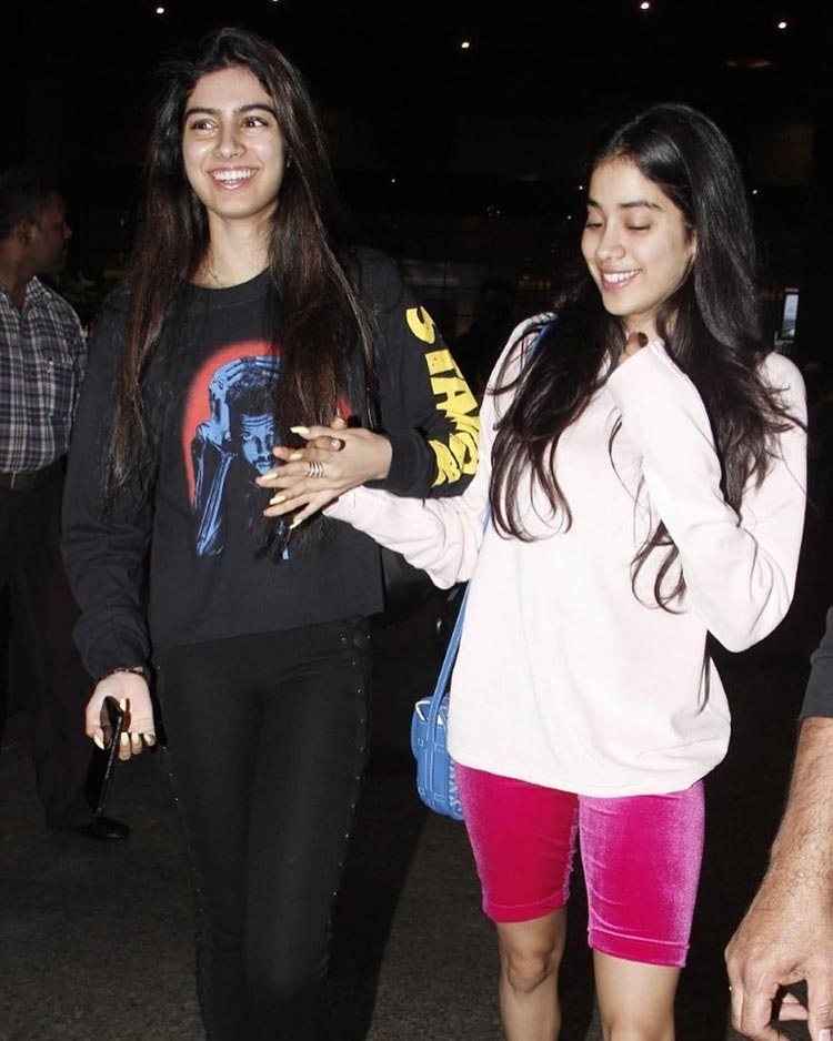 Jhanvi and Khushi Kapoor keeping it casual
