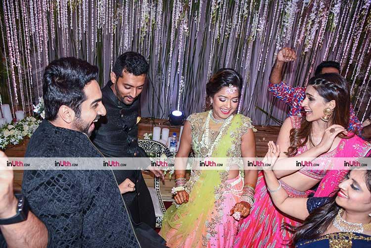 Kriti Sanon, Ayushmann Khurrana performing with the couple