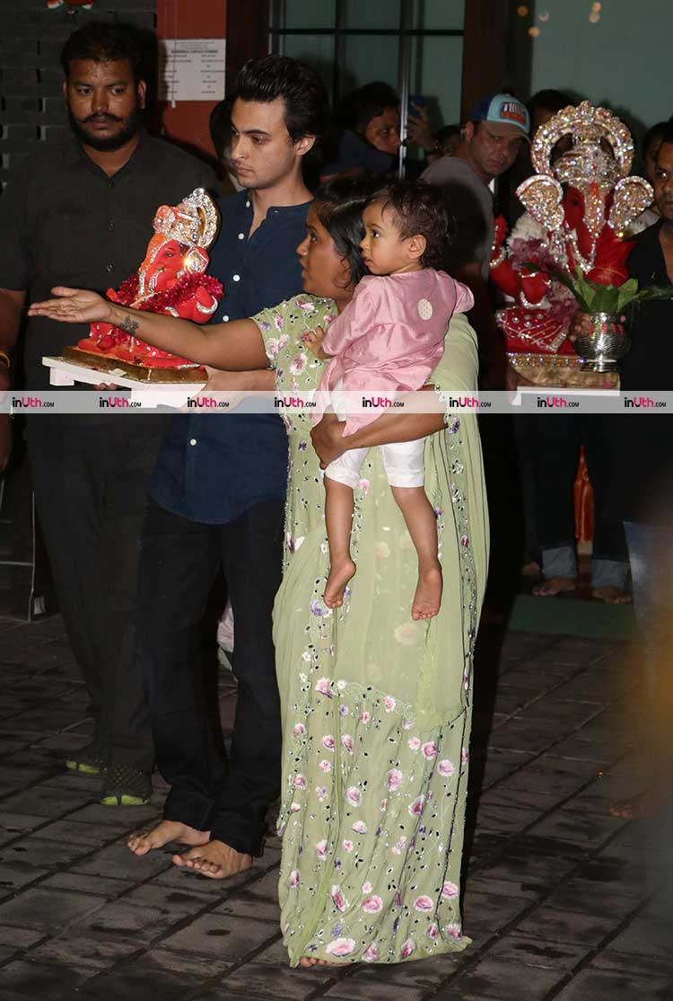 Aayush Sharma and Sohail Khan takes Ganpati for Visarjan