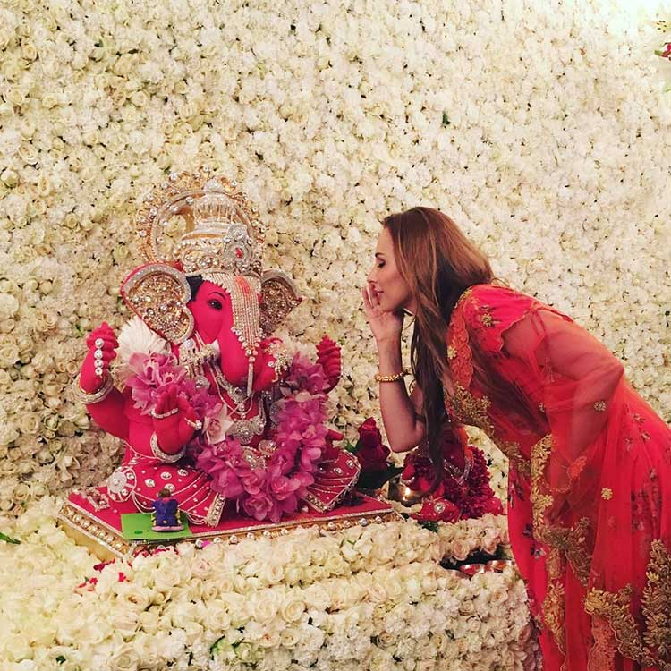 Iulia Vantur at Arpita Khan's Ganpati celebrations