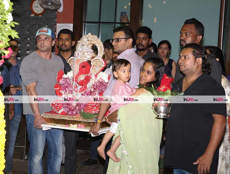 Sohail Khan taking Ganpati for Visarjan