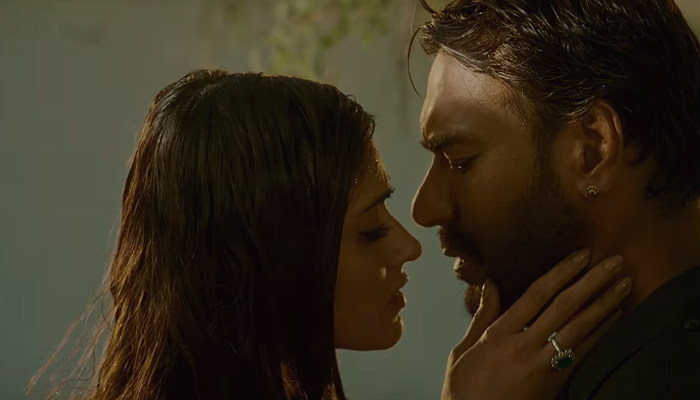 Baadshaho Trailer Is Full Of Seeti-Maar Dialogues & Raw Action Scenes