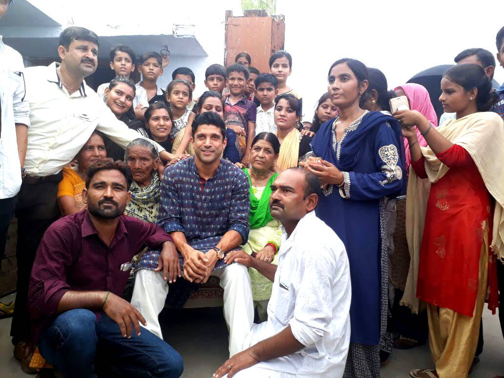 Farhan Akhtar visits Khairabad