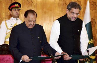 Pakistan PM Shahid Khaqan Abbasi takes oath