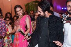 Ayushmann Khurrana, Kriti Sanon gatecrash a wedding photo