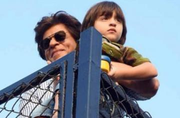 Shah Rukh Khan spotted with AbRam