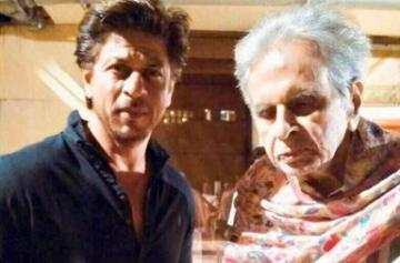 Shah Rukh Khan visits Dilip Kumar photo