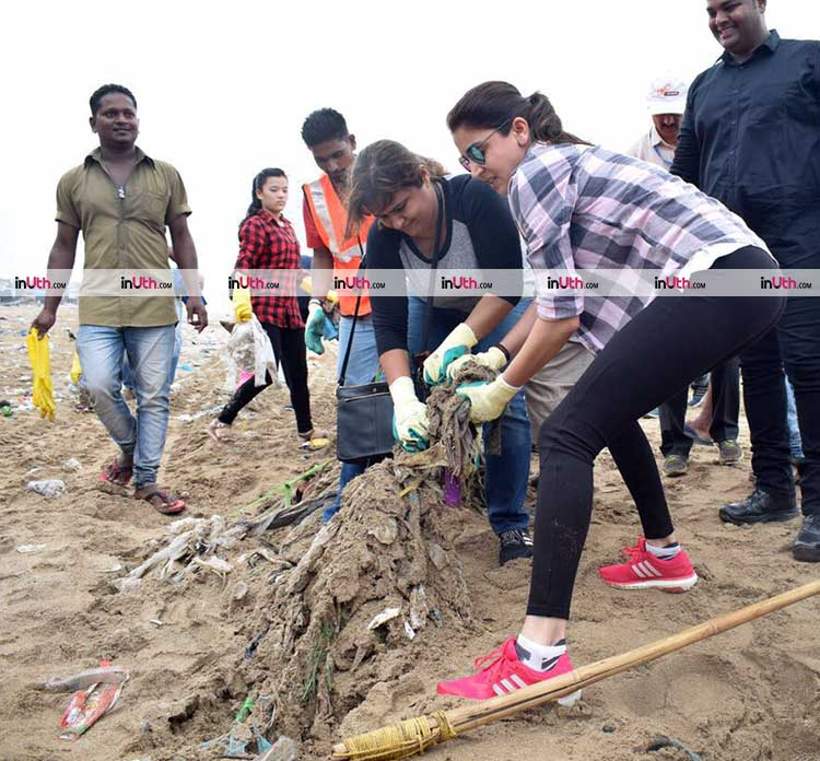Anushka Sharma cleaning the Versova beach