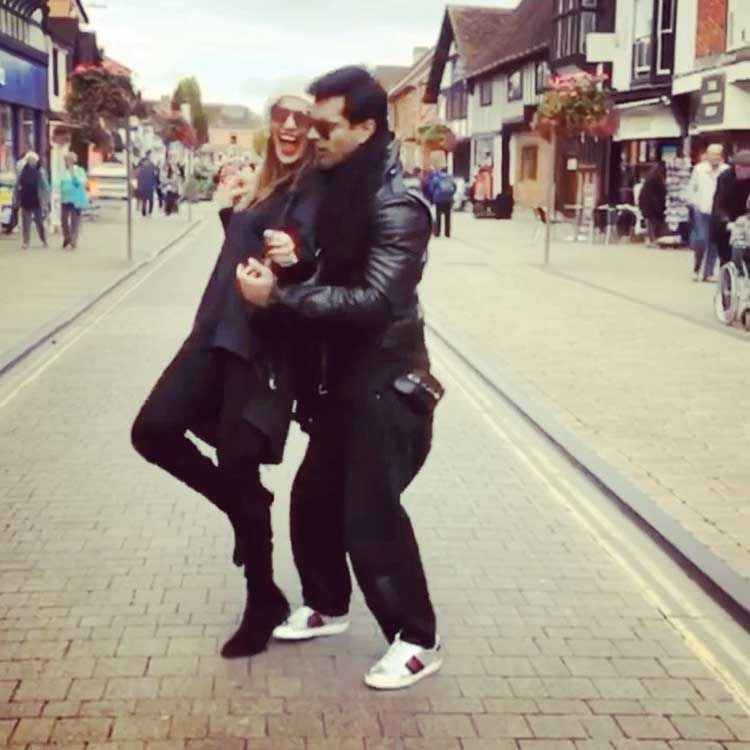 Bipasha Basu reaches England to join Karan Singh Grover on sets of Firrkie