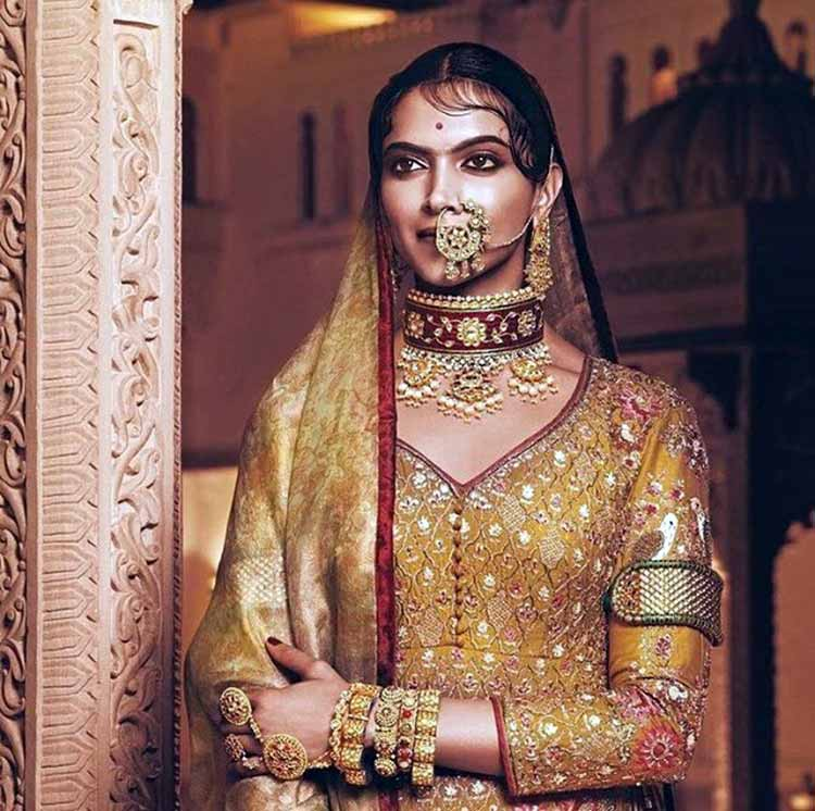Deepika Padukone looks magnificent as Rani Padmavati