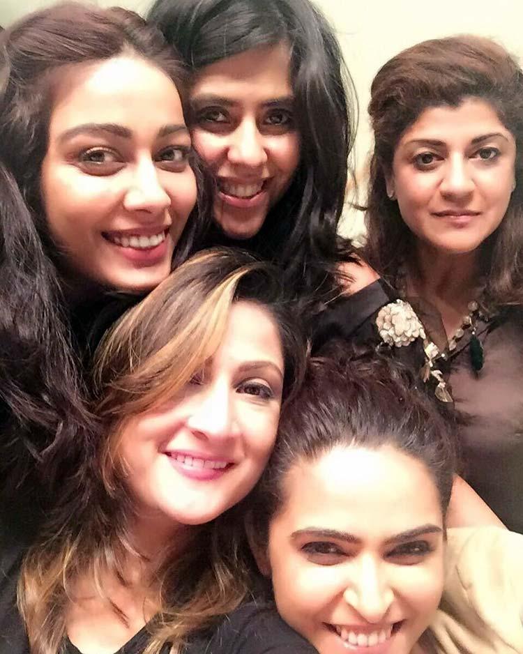 Ekta Kapoor celebrating with her Chandrakanta team