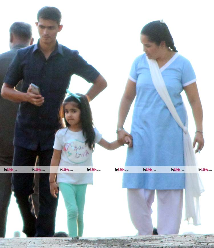 Nitara Kumar looks like a stunning vision of her mother Twinkle Khanna