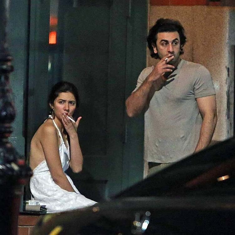 Ranbir Kapoor and Mahira Khan smoking on the streets of New York