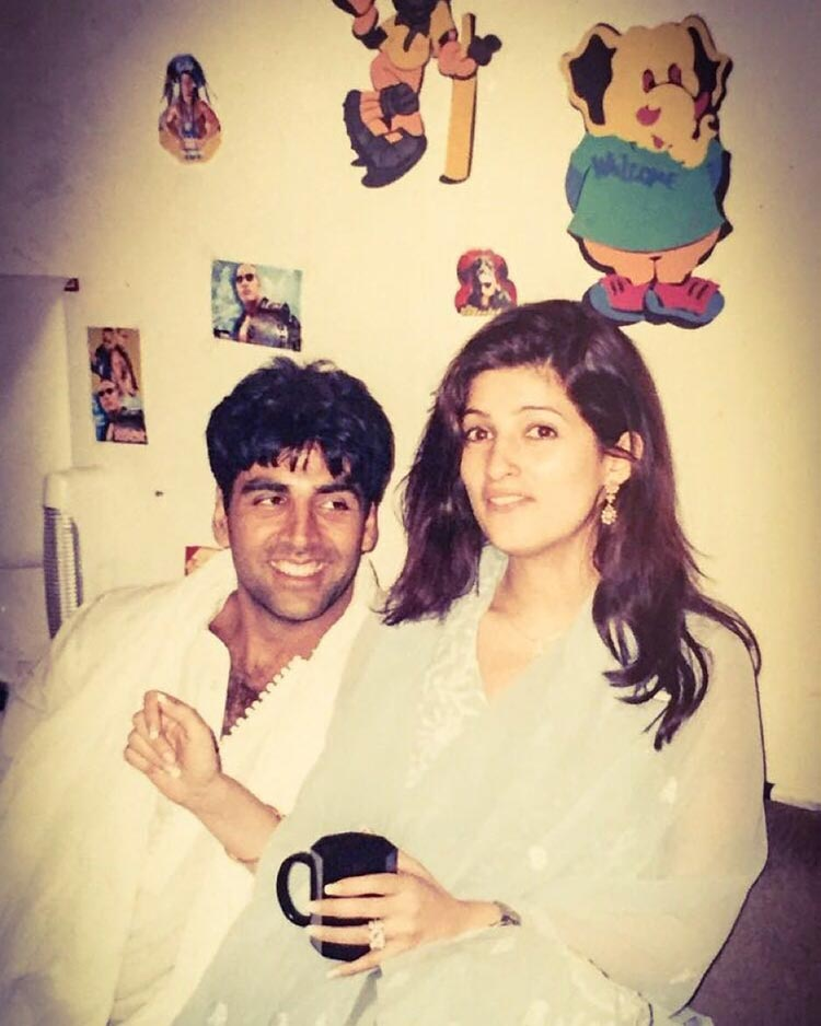 Akshay Kumar's throwback photo with wife Twinkle Khanna
