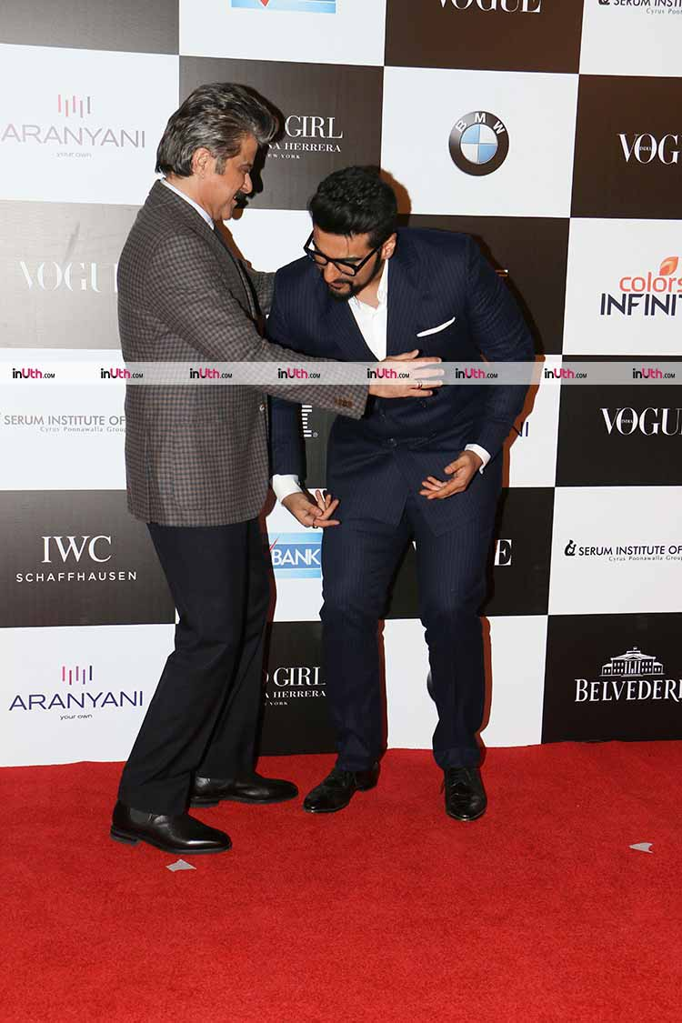 Arjun takes blessings of Anil Kapoor at Vogue Women of the Year Awards 2017