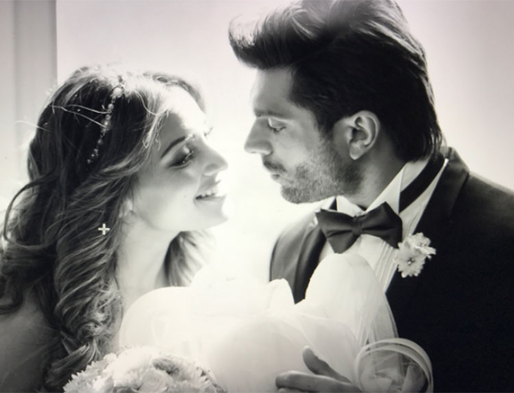 Karan Singh Grover and Bipasha Basu look smitten in this pic