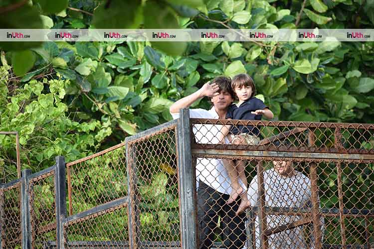 Shah Rukh and AbRam celebrate Eid with their fans