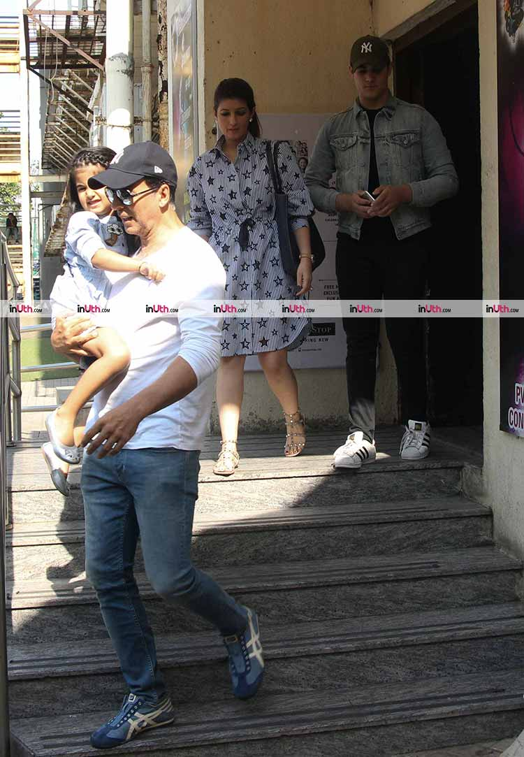 Akshay Kumar spotted with family after the Sunday lunch